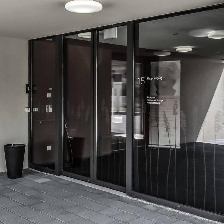 Pintu Otomatis Energy Efficiency